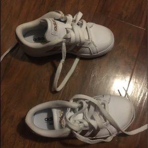 Adidas kids low top tennis shoes